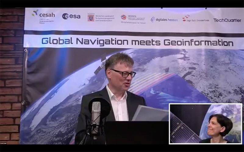 Dr. Frank Zimmermann und Dr. Gwendolyn Läufer bei der 10. Global Navigation meets Geoinformation 2021 (Ines Kühnert - Präsentation zu den Copernicus Master und Galileo Masters  während der GNMG 2021 (© cesah)